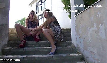 Cô gái trẻ, với một tinh ranh nuốt chửng sâu bạn phim sec dep trai trước của webcam