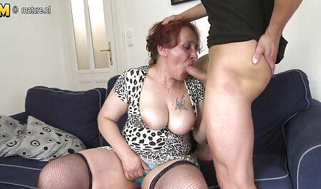 Thủ dâm trên máy quay của điện thoại di động trong 10 phút, phim sec gai xinh cho thấy một người trong âm đạo