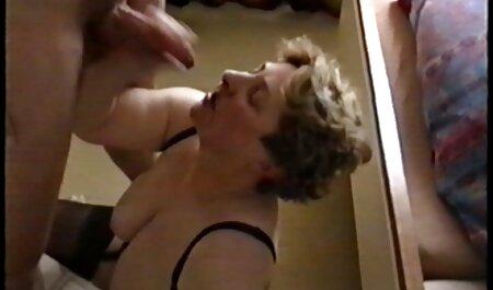Chồng nắm tay, vợ và chọc ghẹo với phim sec tre dep một ngón tay