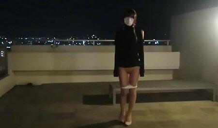 Học sinh mới 18 tuổi, và chỉnh cho một ly sec gai đep hôn Nga cho bốn mươi trong phòng tắm
