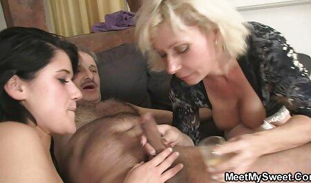 Pikaper lan một người phụ nữ thoát Y và đẩy boner in the hole in the phim sec gai cuc dep street