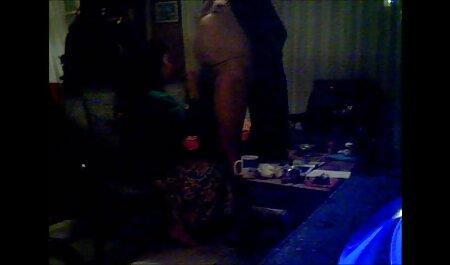 Các cô gái chìm sec gai vip và thủ dâm trên máy ảnh.