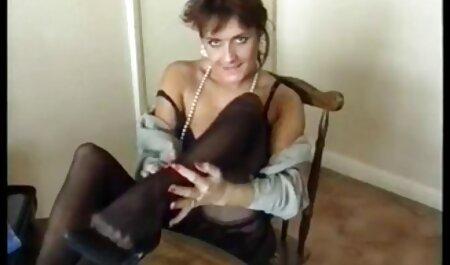 Hahal quay tình dục với bạn phim sec gai cuc dep gái của mình trong đỏ ghế dài