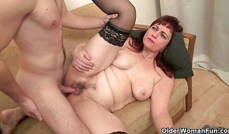 Mẹ ở trong phòng ngủ vàng thả cô xem gai sec gái trên thủ bồi