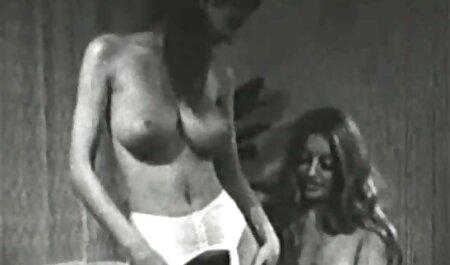 Huấn luyện viên thể dục mông cởi phim sec gai x trần huyền thoại trong một tắm mỏng